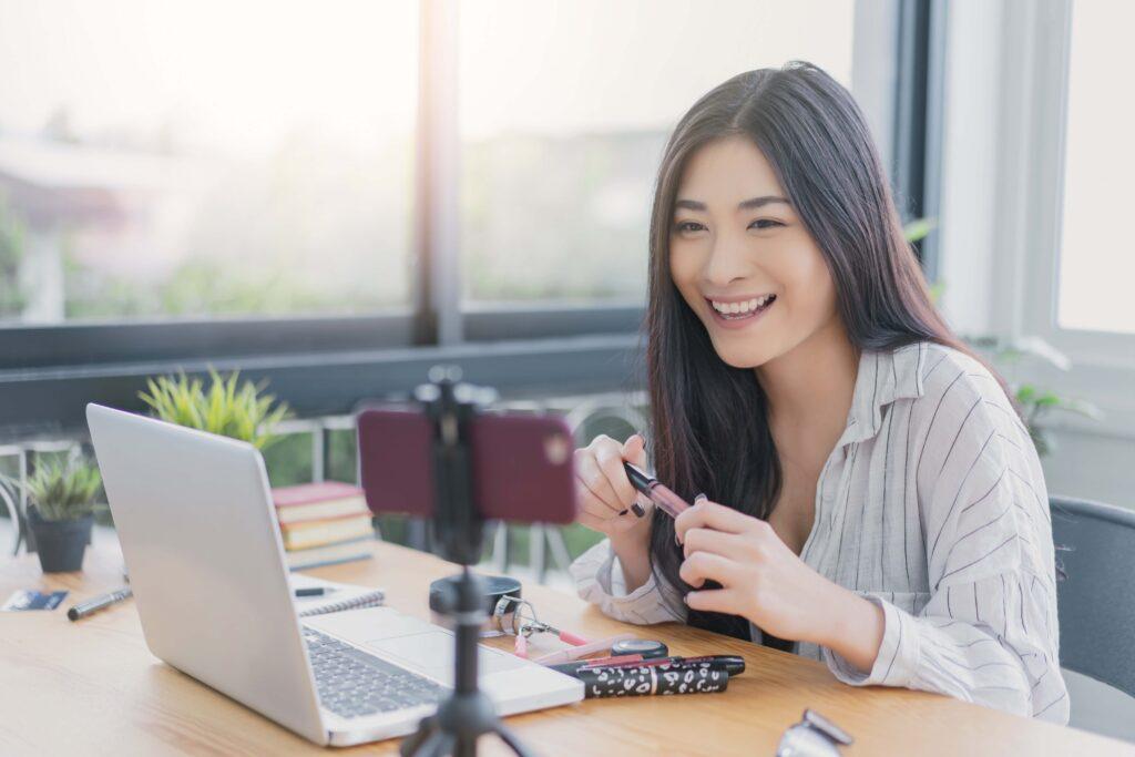 Online leading-edge consumer forum